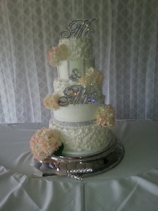 Posted by Cakes By Lori @ Hawthorn Suites - A Caterer professional