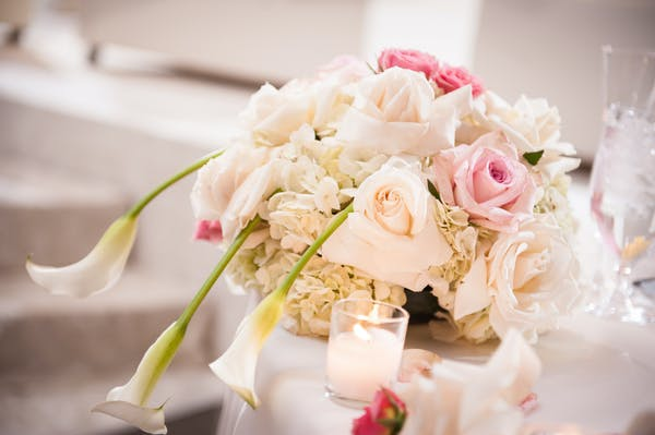Posted by Abricoe Designs - A Design/Decor/Floral professional