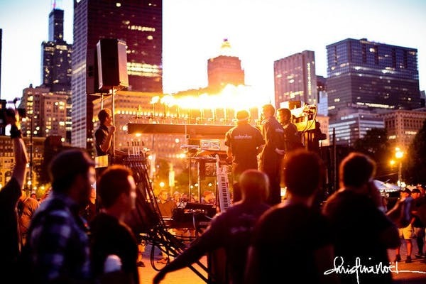 Posted by NewMoon Chicago - A Entertainment professional