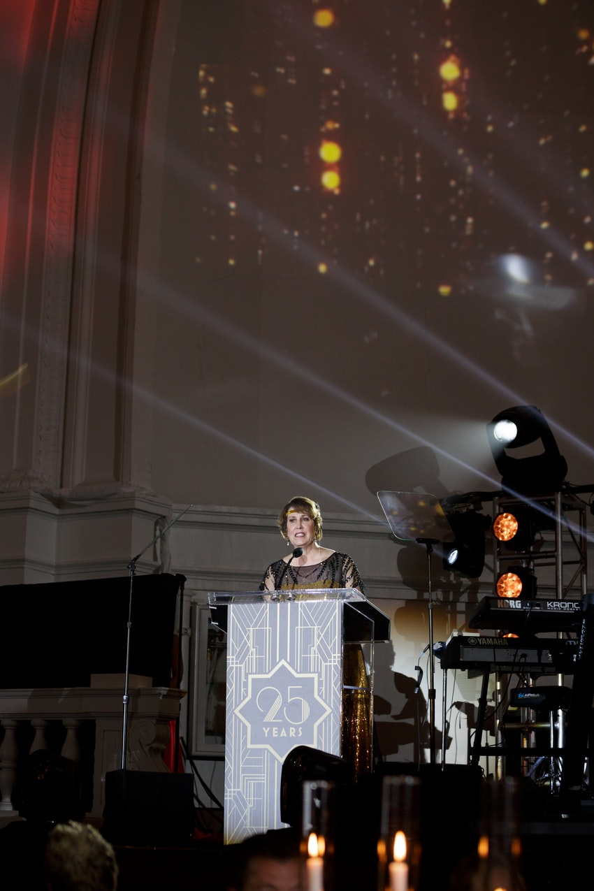 GATEWAY FOR CANCER RESEARCH PRESIDENT TERESA HALL BARTELS ADDRESSES THE CROWD.  WHAT A EVENING AT THE GATEWAY FOR CANCER RESEARCH IN THE GRAND BALLROOM AT NAVY PIER CHICAGO WITH A 1,000 GUESTS WHO RAISED OVER $4.1 MILLION DOLLARS AND STILL COUNTING!  THE BEAUTIFUL DECOR BY RISHI PATEL AND HIS TEAM AT HMR DESIGNS! THE SHOW WAS DIRECTED BY THE TALENTED @MIKE RAVENHILL CEO OF THE DAVID FOSTER FOUNDATION.  WITH A CRAZY TALENTED ENTERTAINMENT LINEUP BEGINNING THE EVENING WITH MAGGIE SPEAKS, CITY OF CHICAGO PIPE BAND, AND, WILLIAM JOSEPH AND SANDY CAMERON, AND A FLIGHT BY CHALLENGER THE EAGLE, AND THE NATIONAL ANTHEM SANG BY KELLY LEVESQUE.  DINNER WAS AMAZING, THEN ENTERTAINMENT CONTINUED WITH DAVID FOSTER, THE TENORS, PETER CETERA, SINBAD, MICHAEL BOLTON, CARLY RAE JEPSEN, AND CEELO GREEN!  AND TO TOP THE NIGHT OFF WITH AN AFTER PARTY STARRING RHAPSODY ORCHESTRA FROM MONTREAL THAT KEPT US ALL ON THE DANCE FLOOR UNTIL 3:30AM.