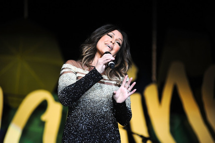 Vanessa Williams performs at the UNICEF Hope Gala