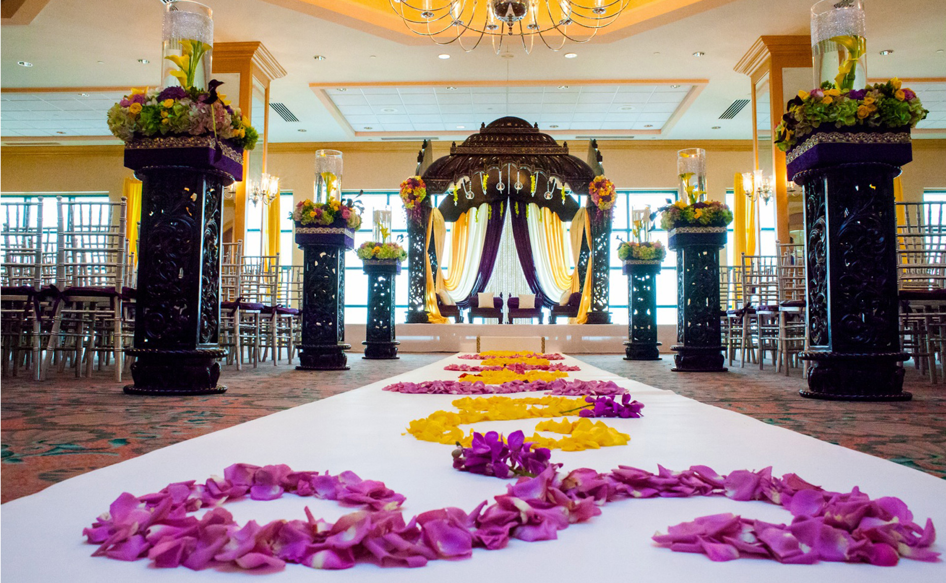 Posted by Suhaag Garden - A Design/Decor/Floral professional