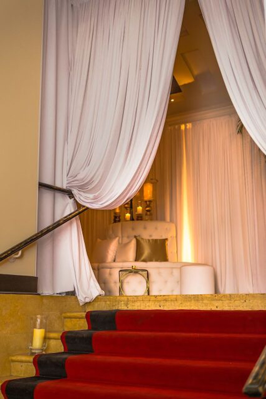Glamorous way to show a sneak peak into the main event for you guests