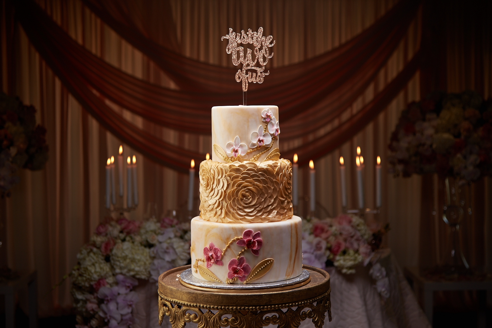 Sweetheart Table - Wedding Cake