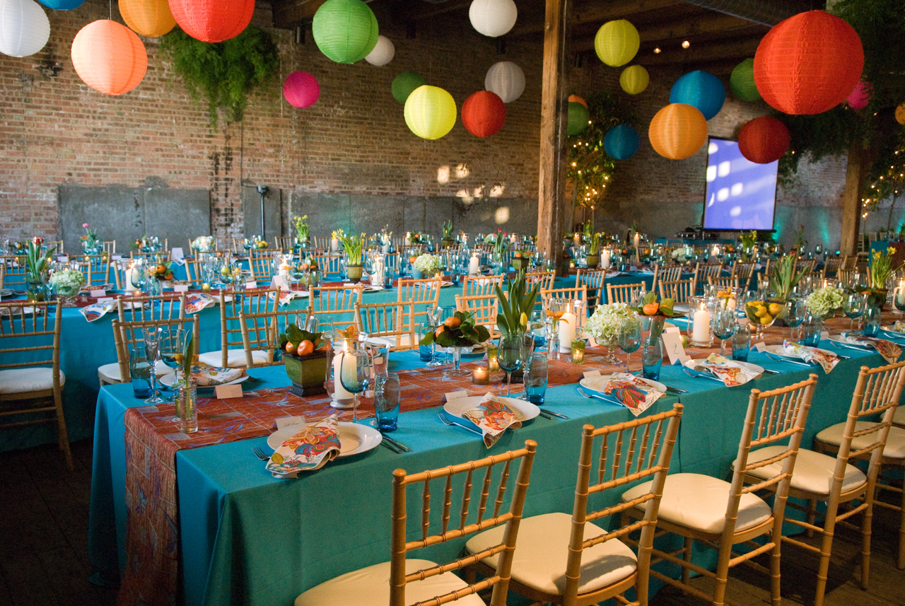Vibrant colors and chiavari chairs add to an eclectic Hamptons theme.