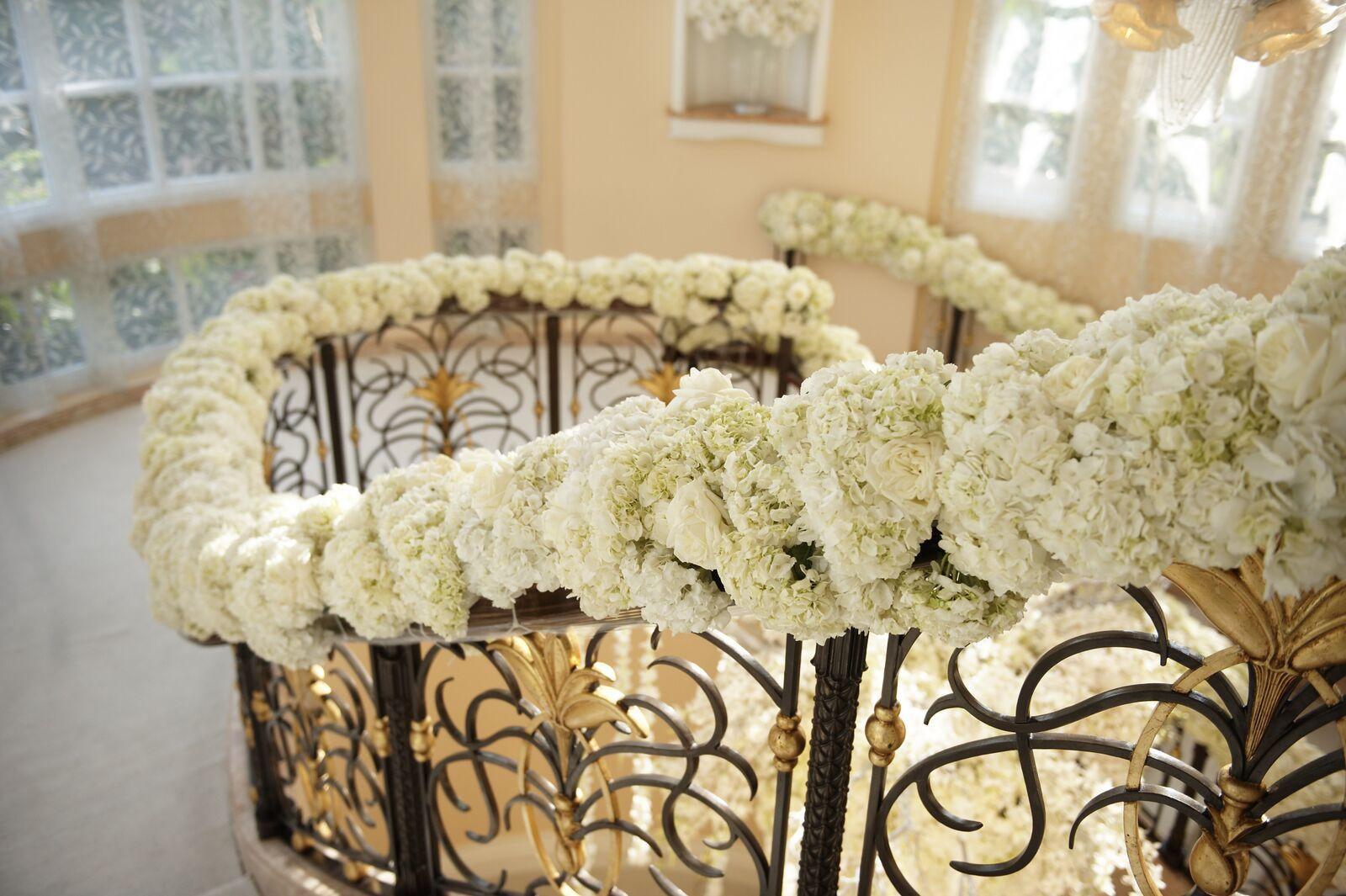Glistening White Wedding - Linda Howard Events