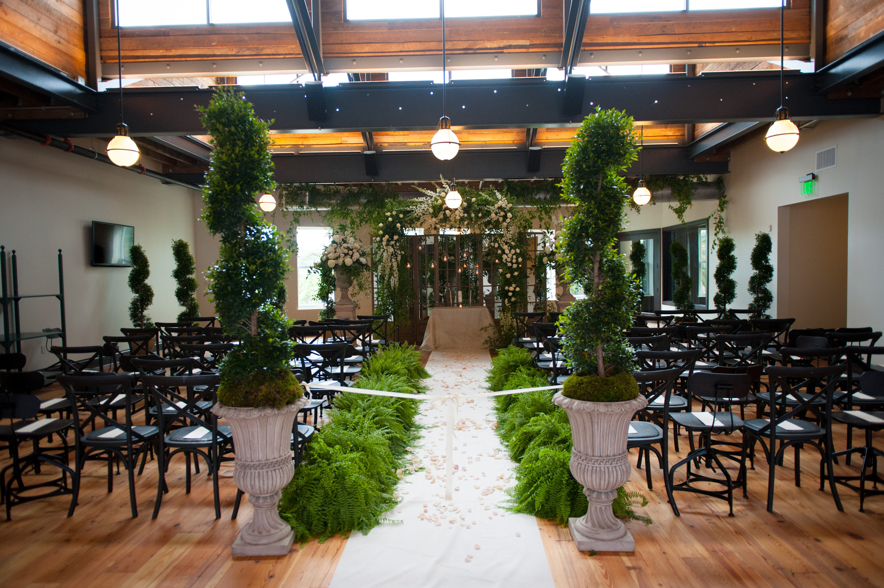 enchanting wedding at Oxford Excahange - Tracie Domino Events