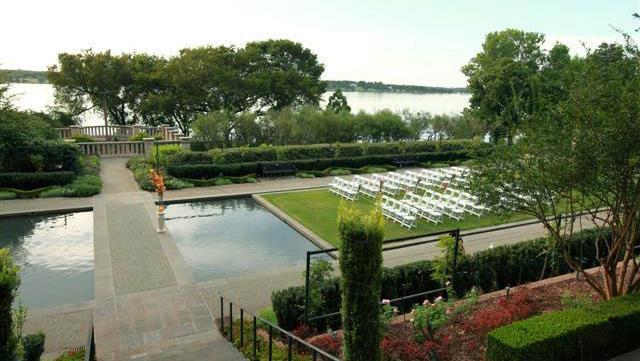 Dallas Arboretum Rosine Hall Wedding 35 Rosine Hall