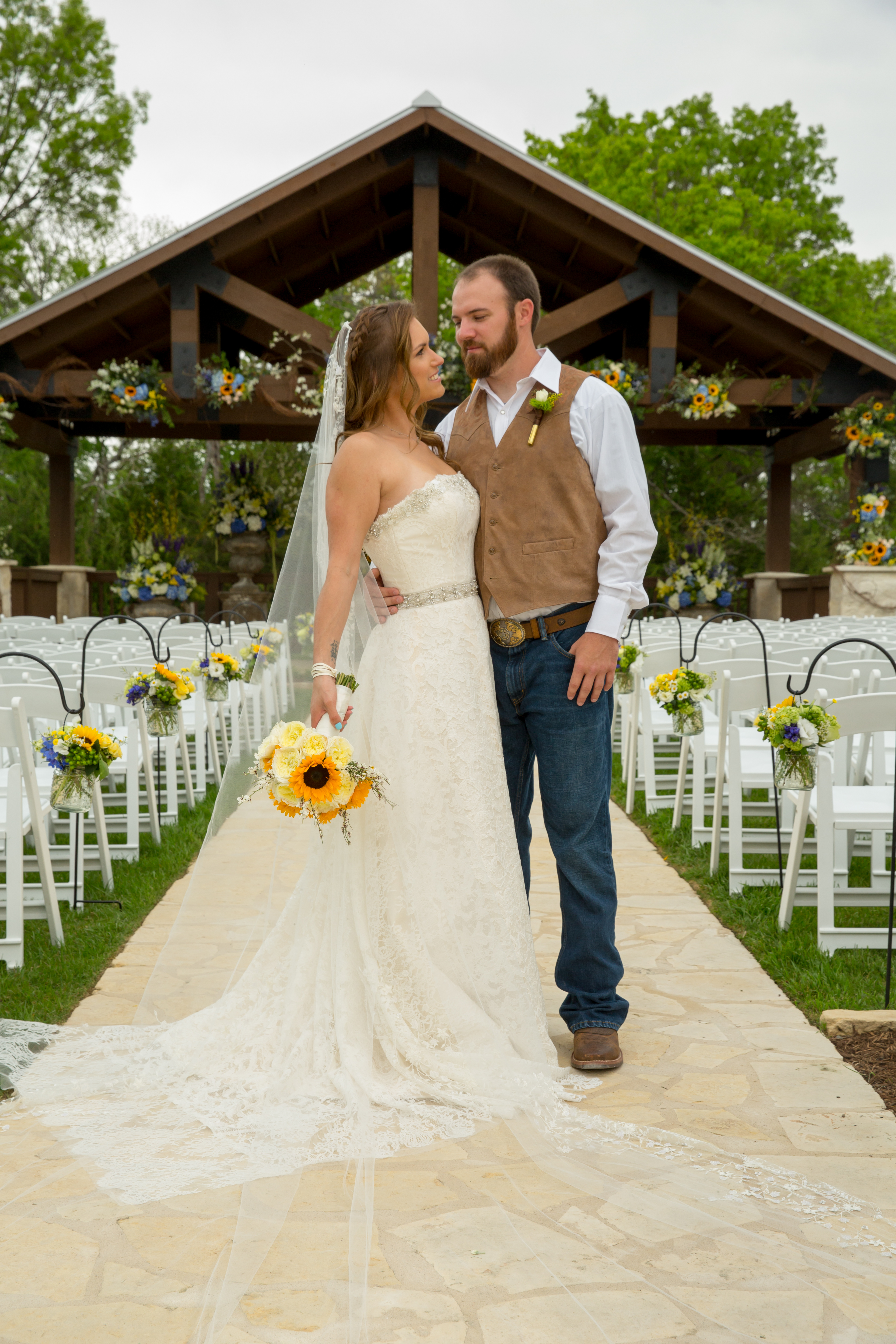 A Simple Country Wedding Deep in the Heart of Texas - Sue Kelson Events