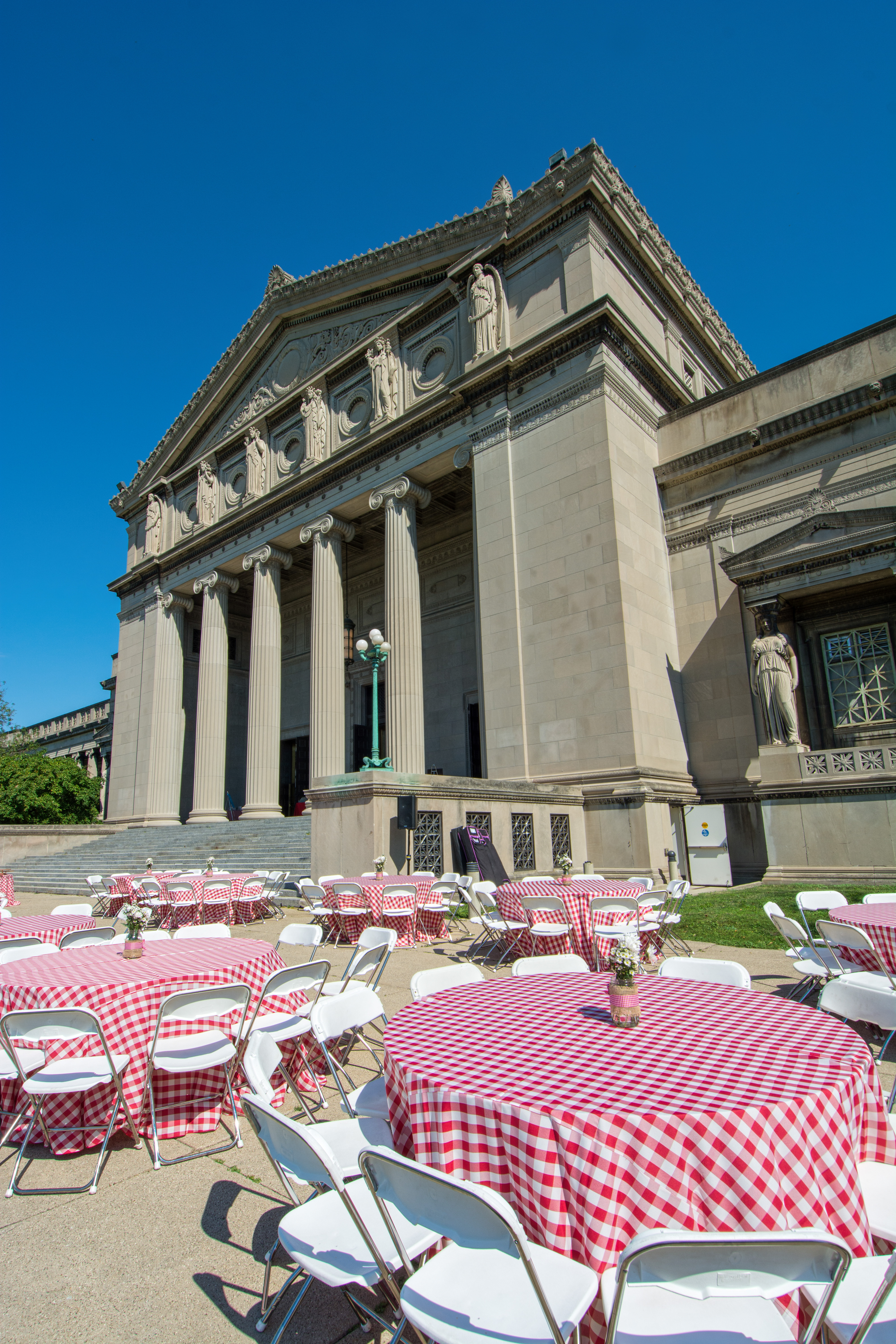 Picnic at the Museum - Museum of Science and Industry, Chicago