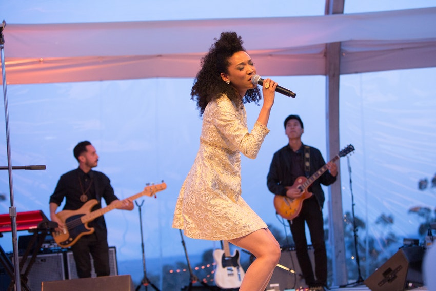 Guests enjoyed an amazing performance by the American singer and songwriter Judith Hill during dinner.