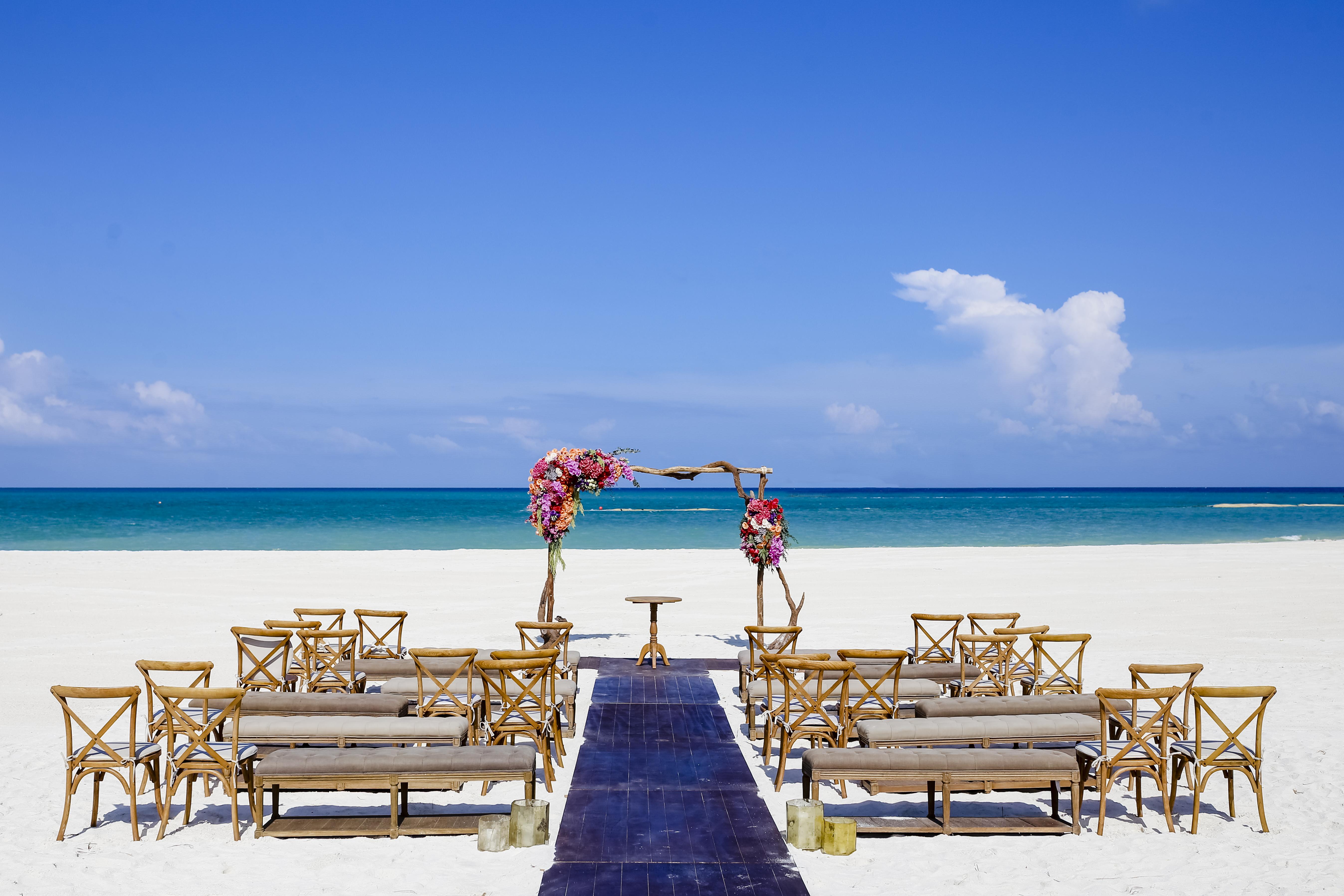 Colorful Destination Wedding - Banyan Tree Mayakoba