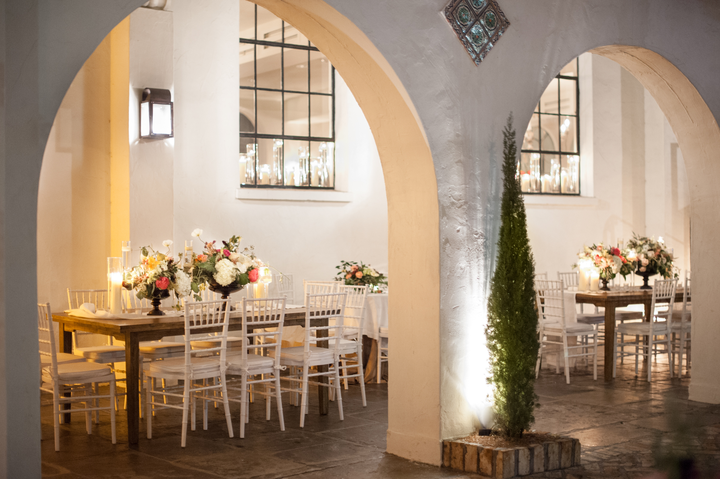 Romantic Candlelit Courtyard Wedding - Elizabeth Dondis Photography