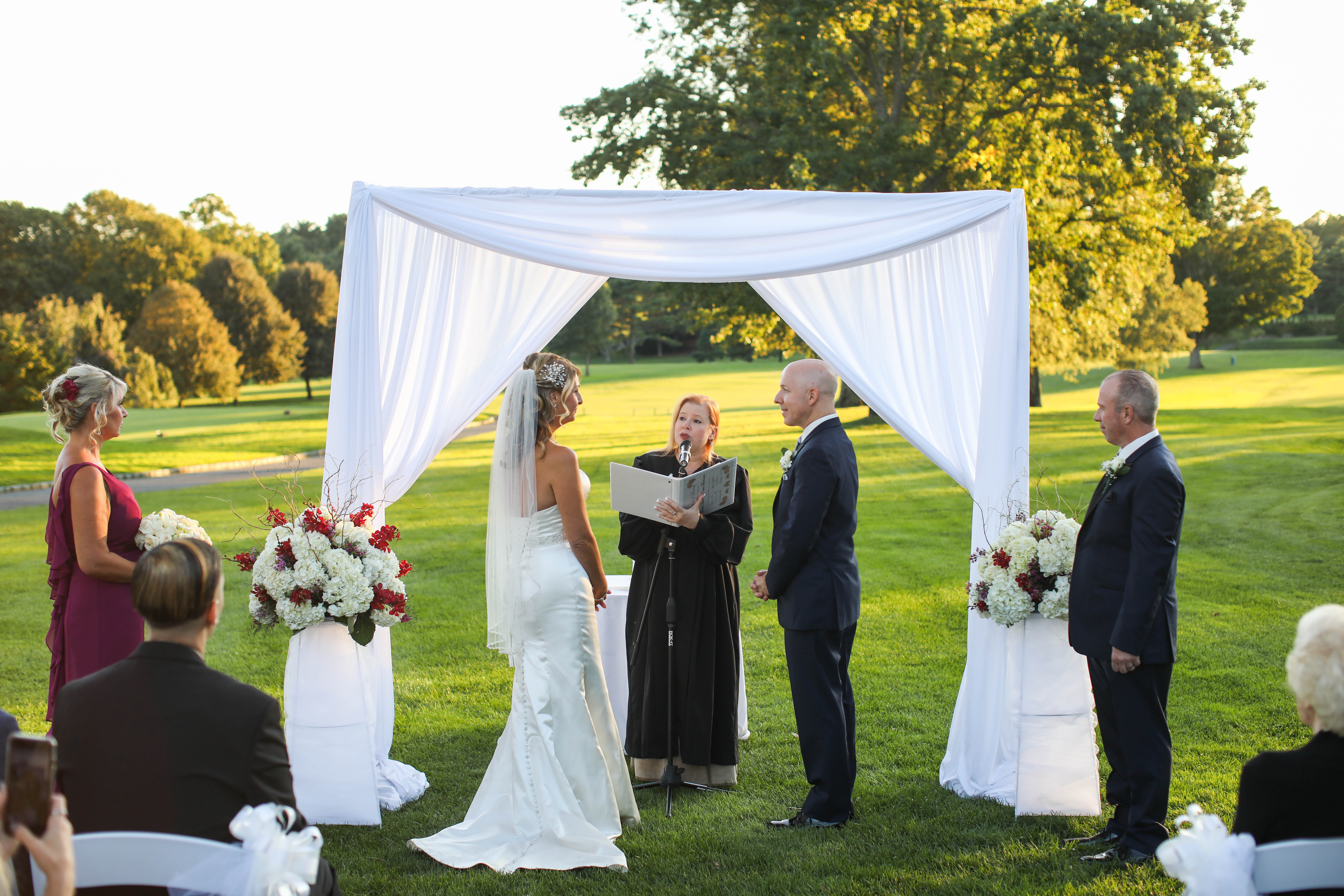 Intimate Outdoor Wedding - The Muttontown Club