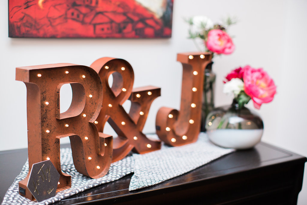 A 40TH BIRTHDAY AND SURPRISE WEDDING - Little Miss Party