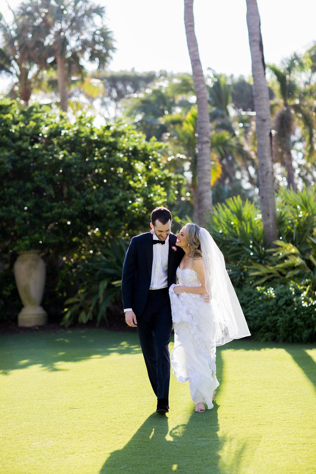 Romantic Modern Wedding - Posh Parties