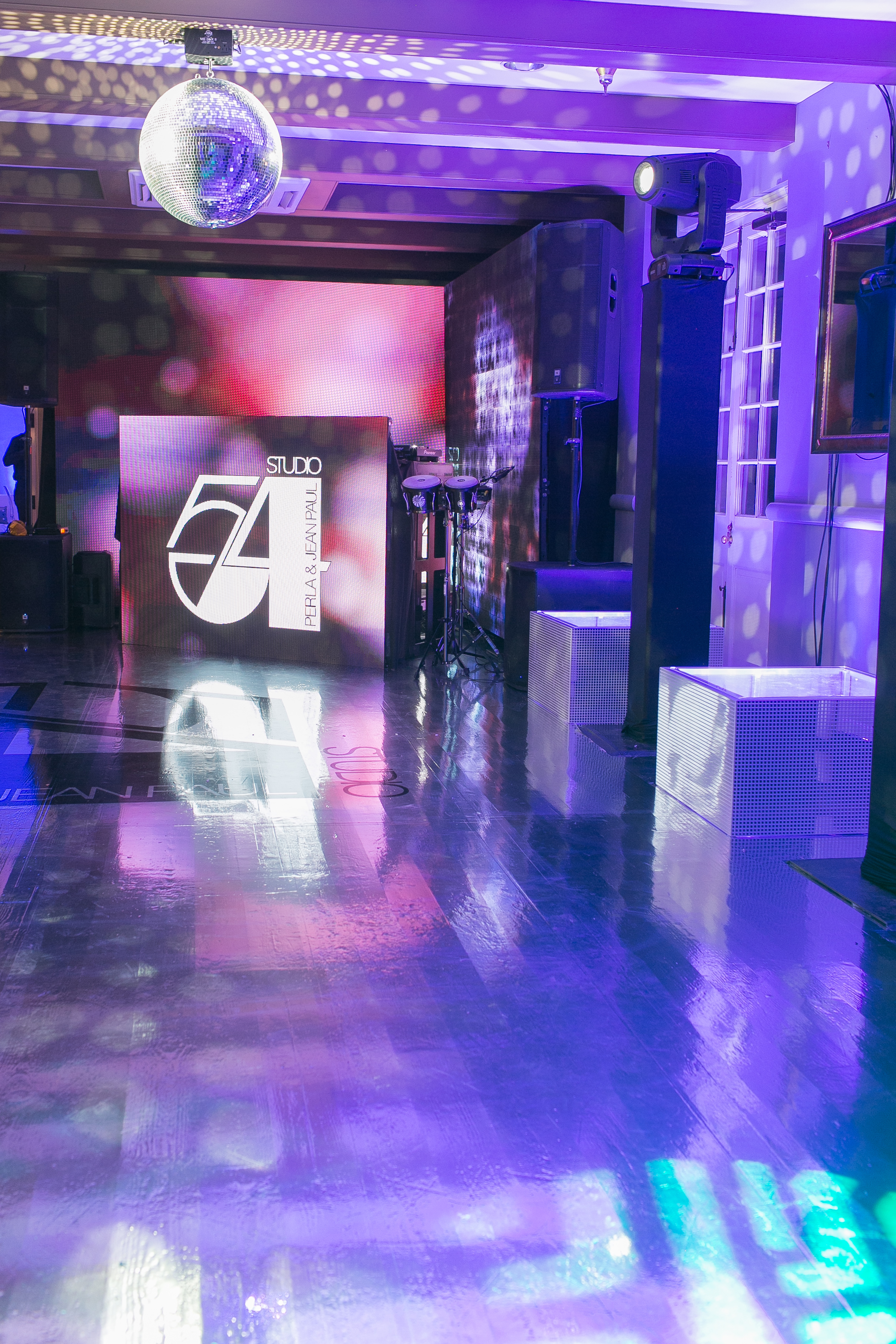 Studio 54 - Art De Vie