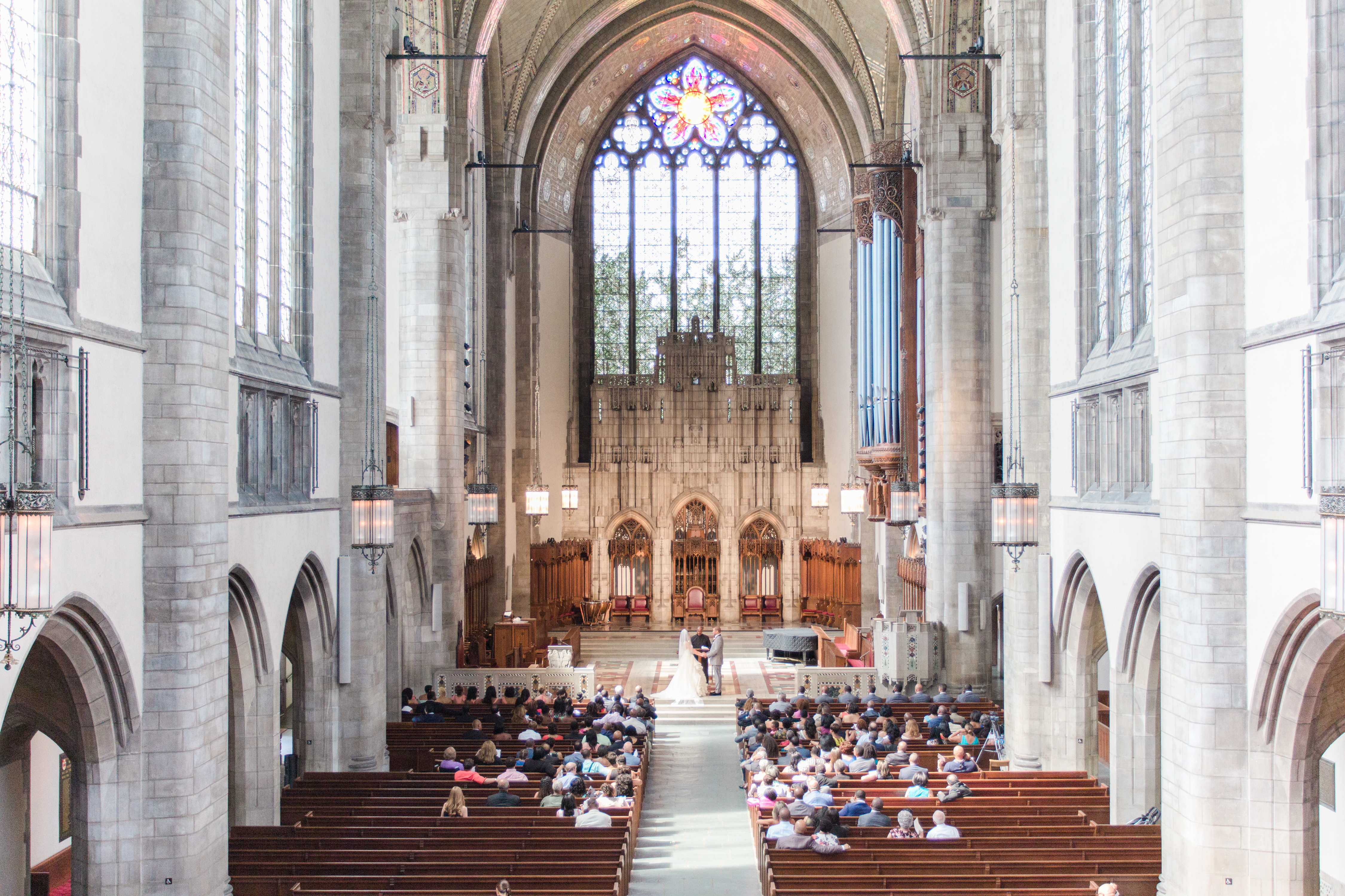 www.bonphotage.com Rockefeller Memorial Chapel and Drake Hotel Wedding Chicago