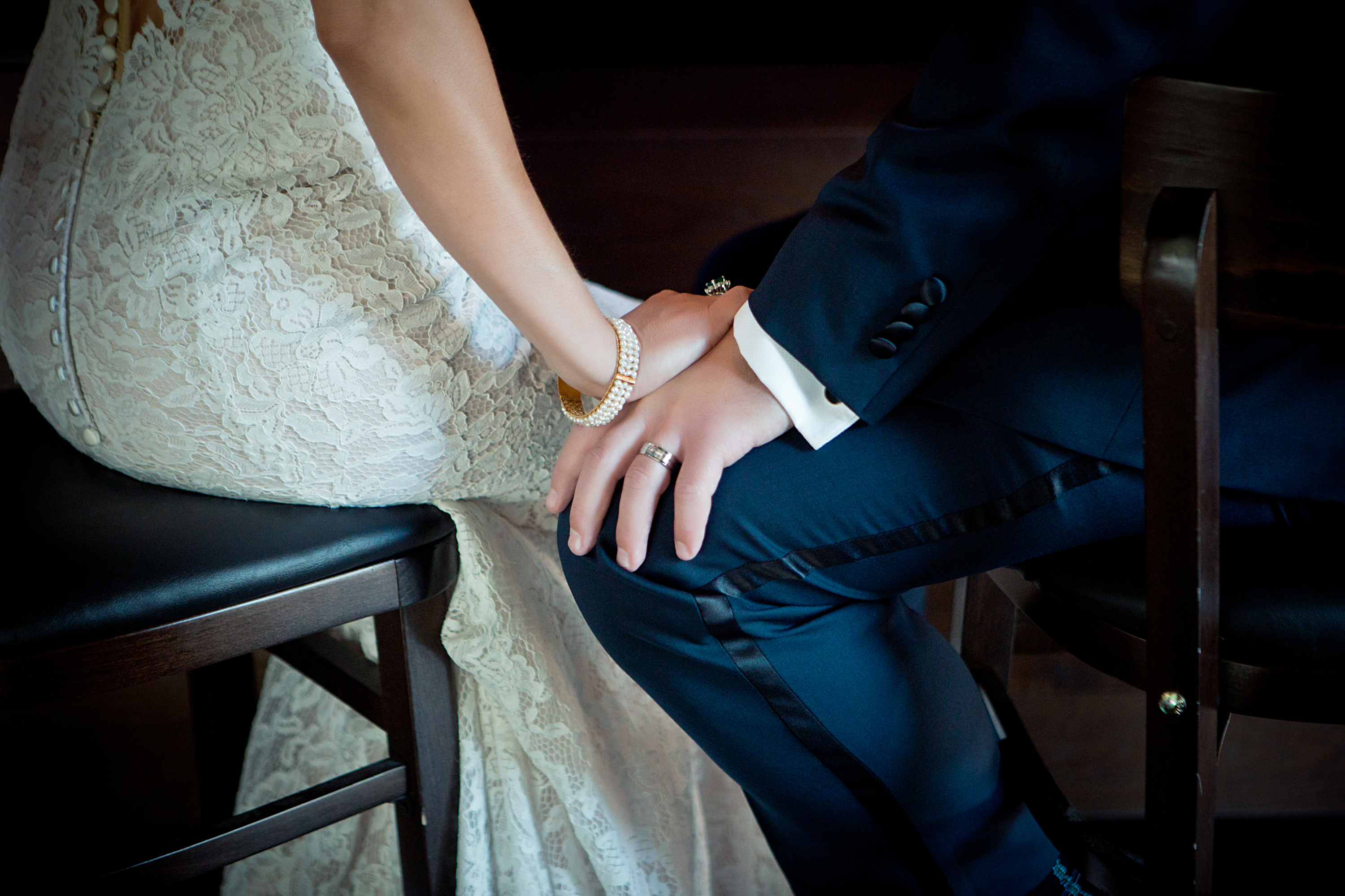 Classy Upscale Elopement at The HOTel Bar - Simple Joie Photography