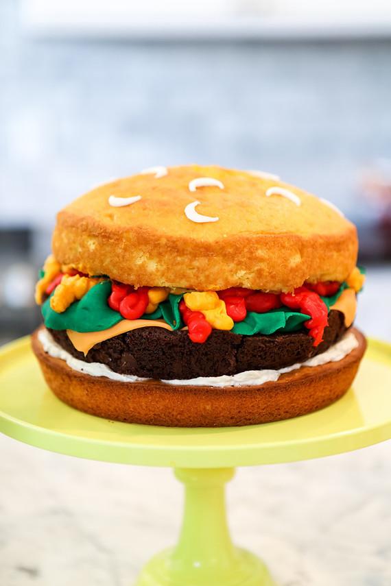 Burger Baby Shower - La Tavola Fine Linen