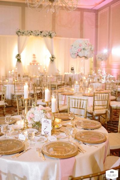 Prashe decor elegant blush pink and white wedding for Decor 4 events