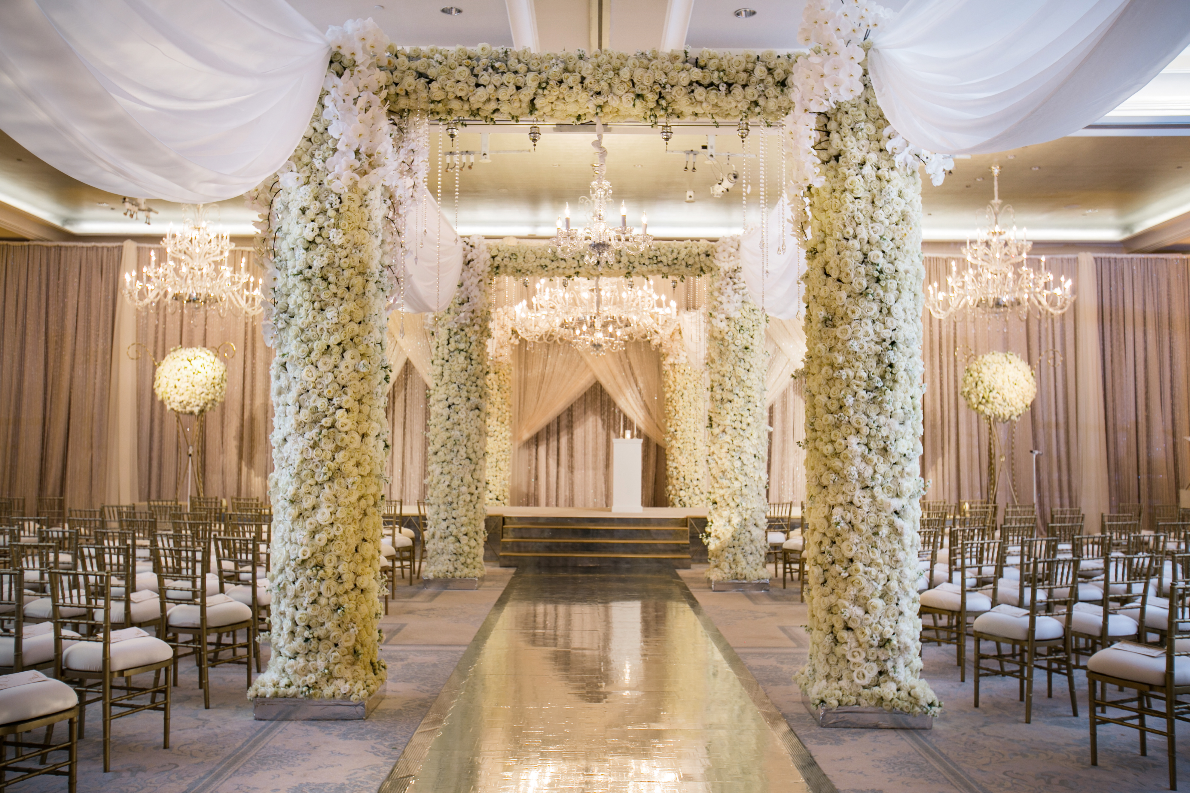Beautiful Gold & Floral Wedding - Legendary Events