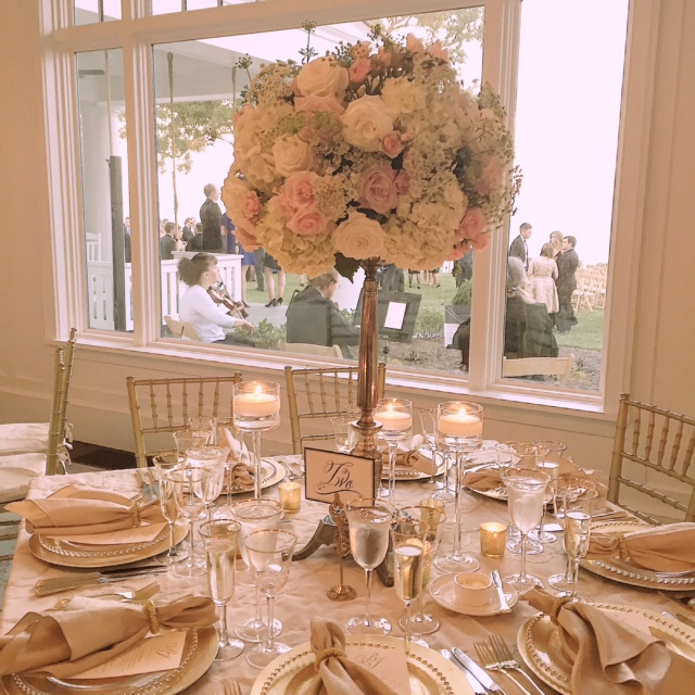 Gibson Island Club. Design and Planning by Elizabeth Bailey Weddings. Flowers by Wicked Willow.