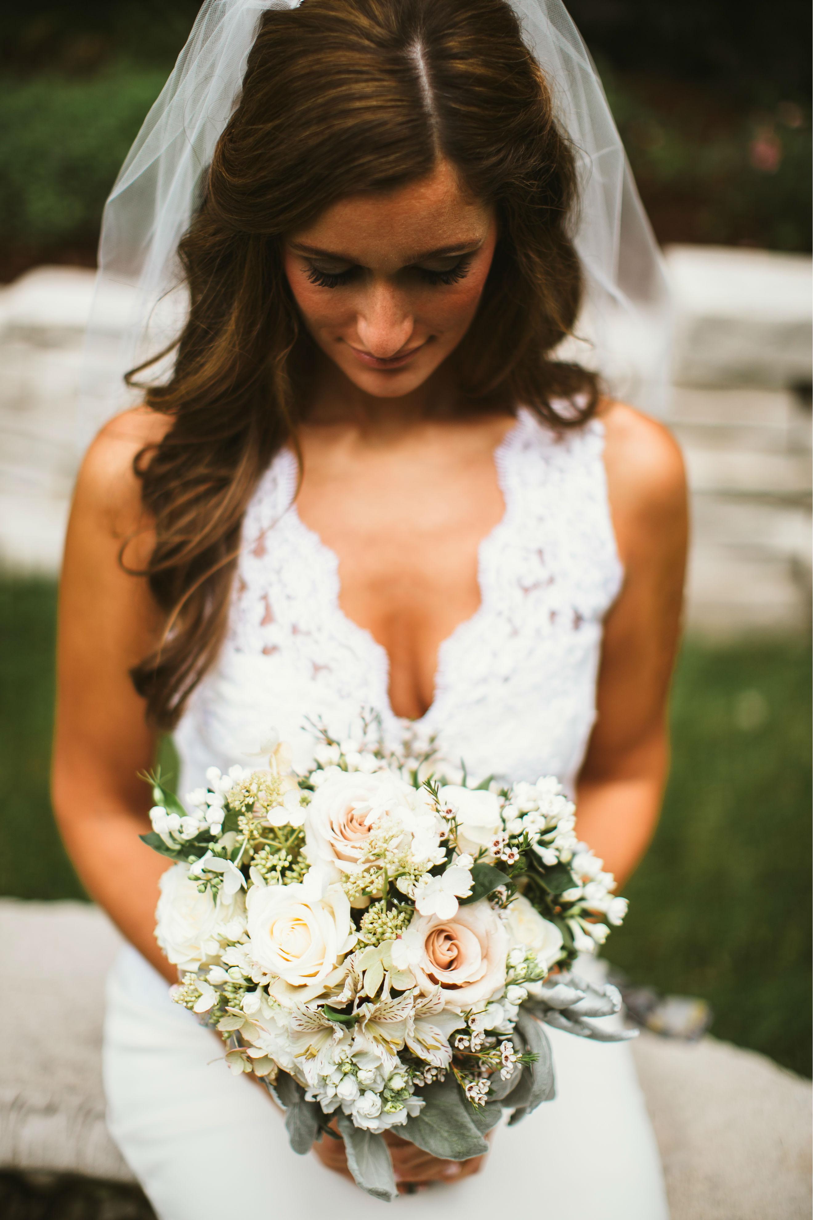 Artquest, Ltd. bridal bouquet design.