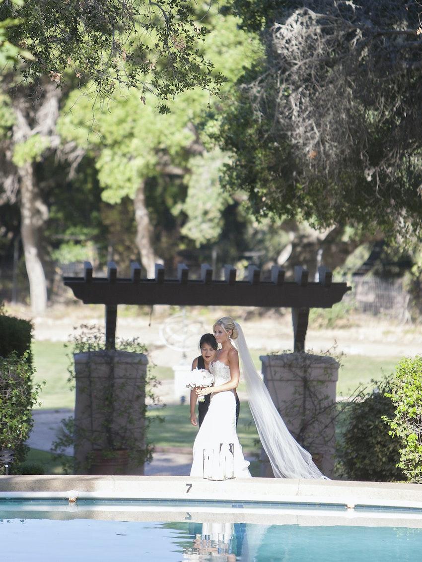 Bride walking towards the aisle