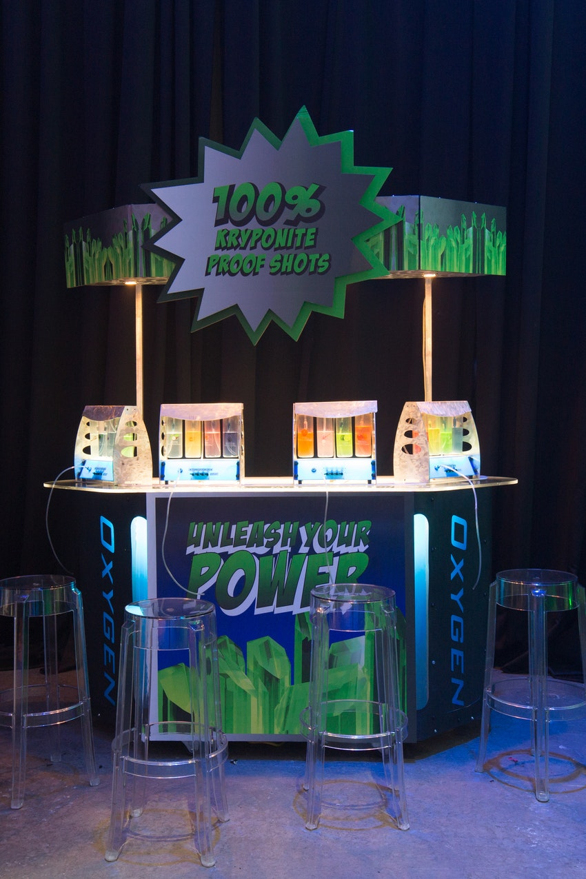 An oxygen bar was a great entertainment for the guest to play right into the superhero theme of the night. Each color tube at the oxygen bar was meant to represent a super power and guest were intractably able to decide their fate!