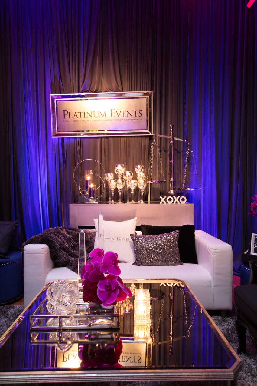 Platinum Events designed a cozy lounge area for guest to relax and take in all of their design within their gallery.