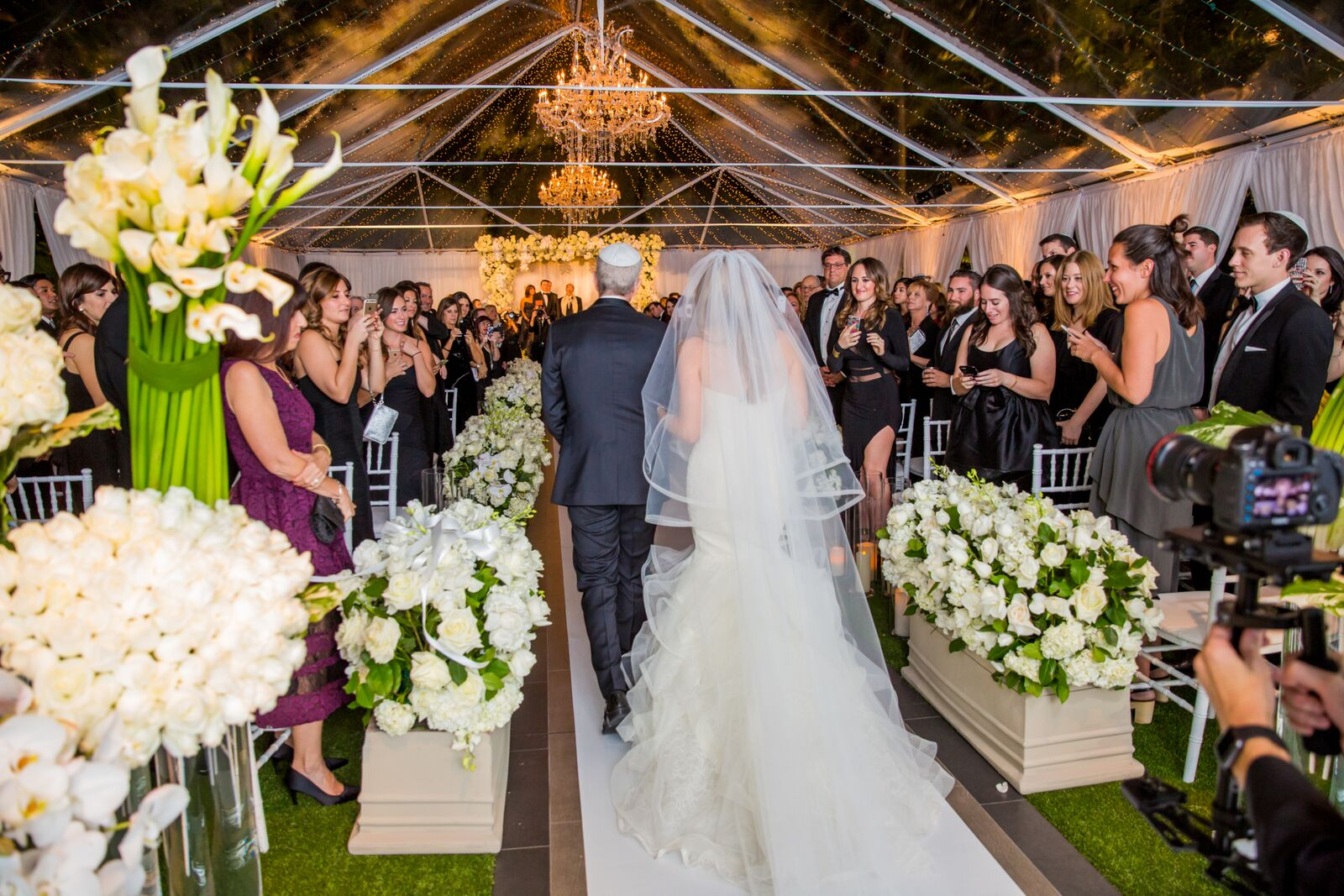 Dazzling Tented Wedding - Linda Howard Events